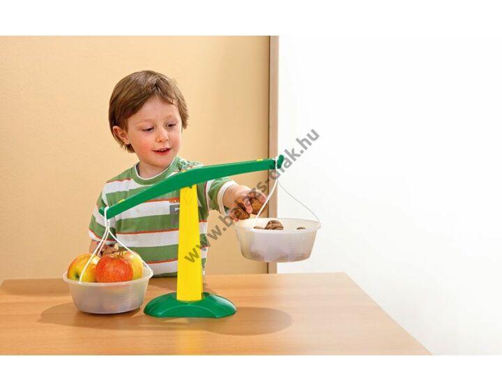 Gyerek-serpenyős mérleg műanyagból