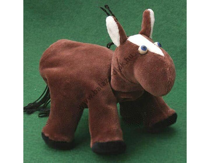 Ötujjas báb: ló