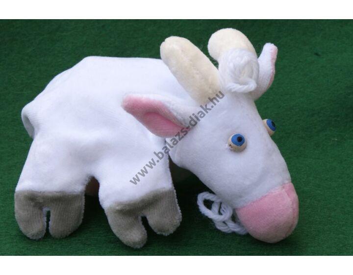 Ötujjas báb: kecske - gyerek kézre